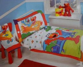 Sesame Street Toddler Bedding Set. Picture 1   Picture 2