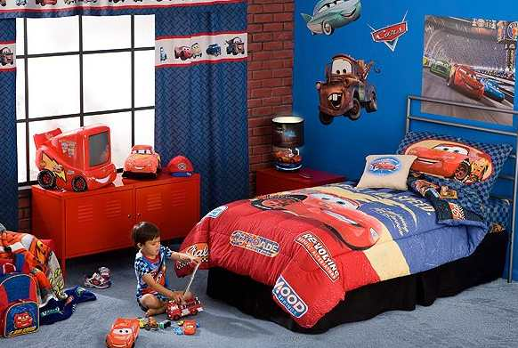 My family fun pixar cars for Car room ideas